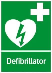 Hinweisschild für Defibrillatoren