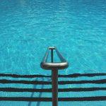 Treppenzugang zum Scchwimmbecken